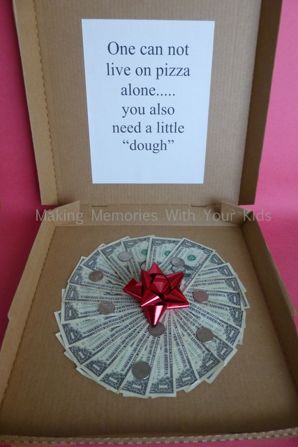 money-gift-idea-pizza-box-and-dough