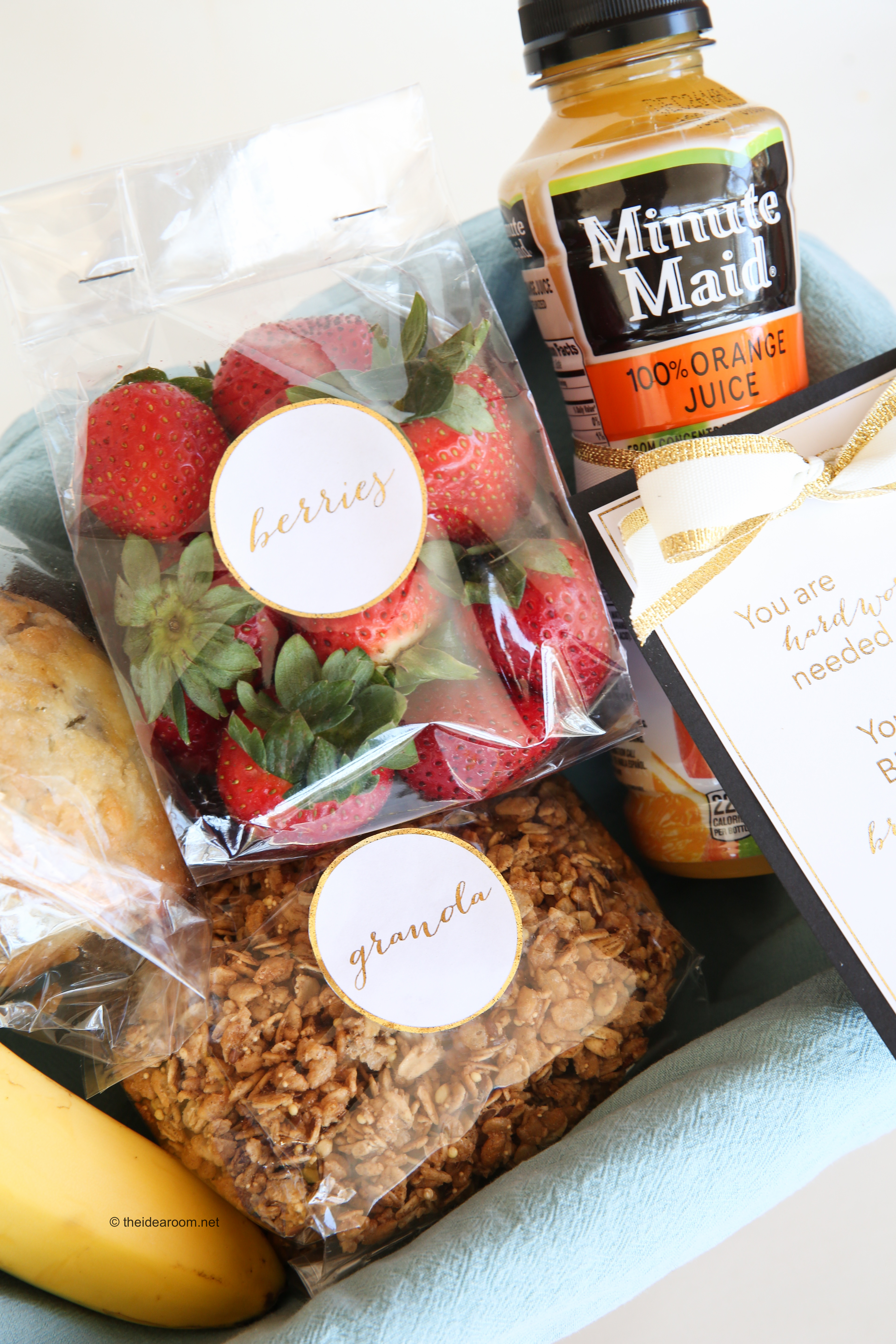 & Breakfast in Bed Gift Basket Idea and Printables