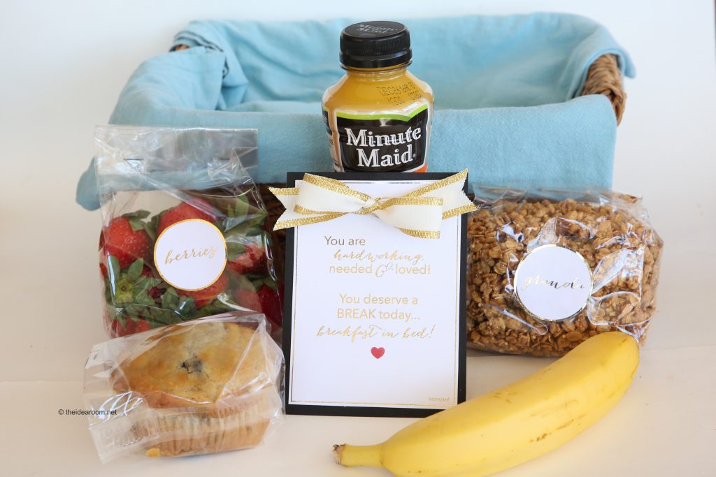 breakfast-in-bed-gift-basket-theidearoom-9