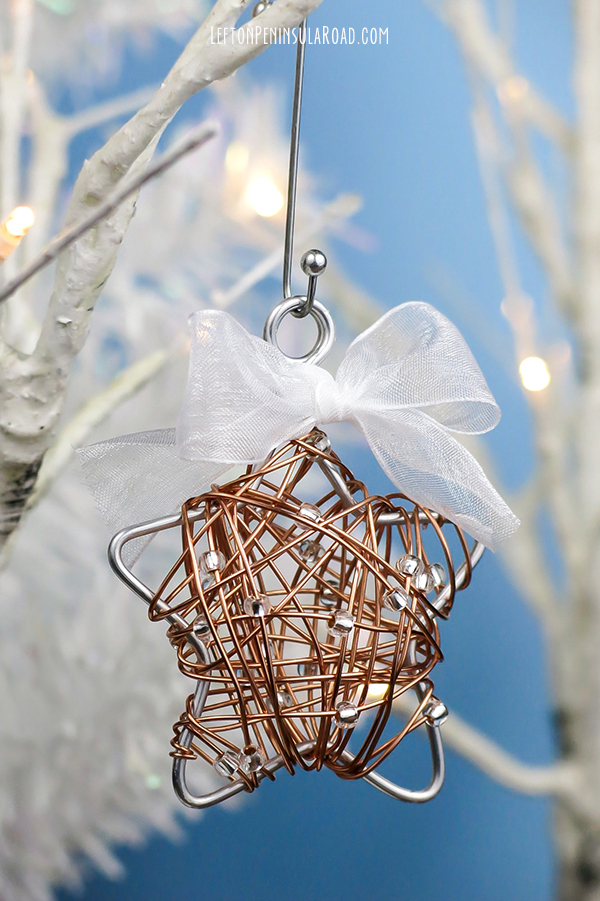wire-wrapped-star-christmas-ornament-with-bow_600px