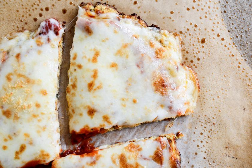 tasty-kitchen-blog-cauliflower-crust-pizza-00-1