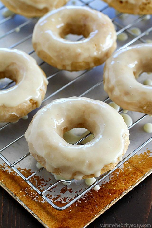 baked-eggnog-donuts-with-eggnog-glaze-1
