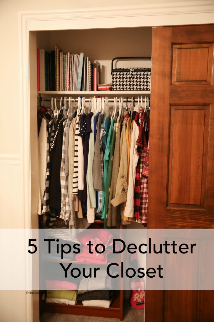5 Tips to Declutter Your Closet