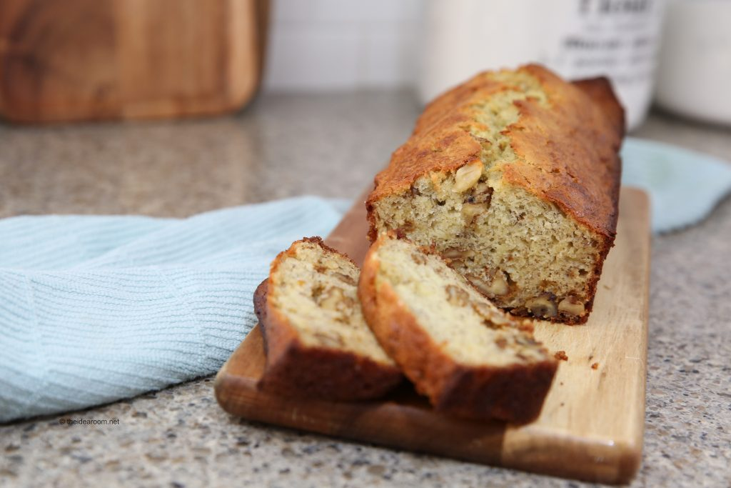 best-banana-bread-sliced-on-bread-board