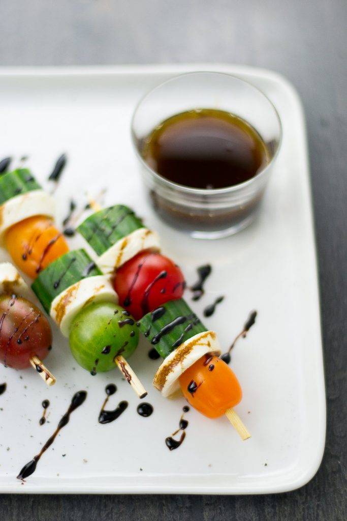 caprese-salad-recipe-skewers-barbeque