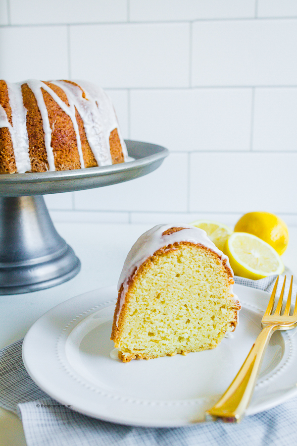 sour-cream-lemon-bundt-cake-recipe