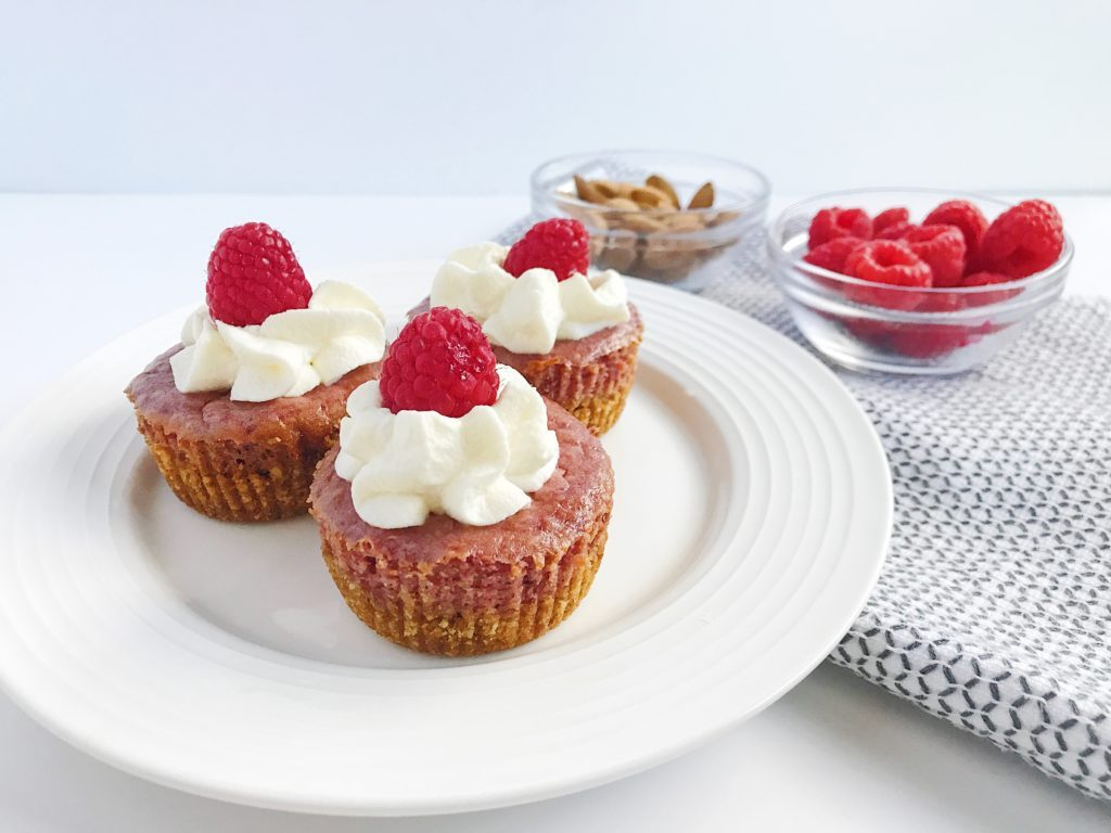 summer-dessert-mini-raspberry-cheesecakes