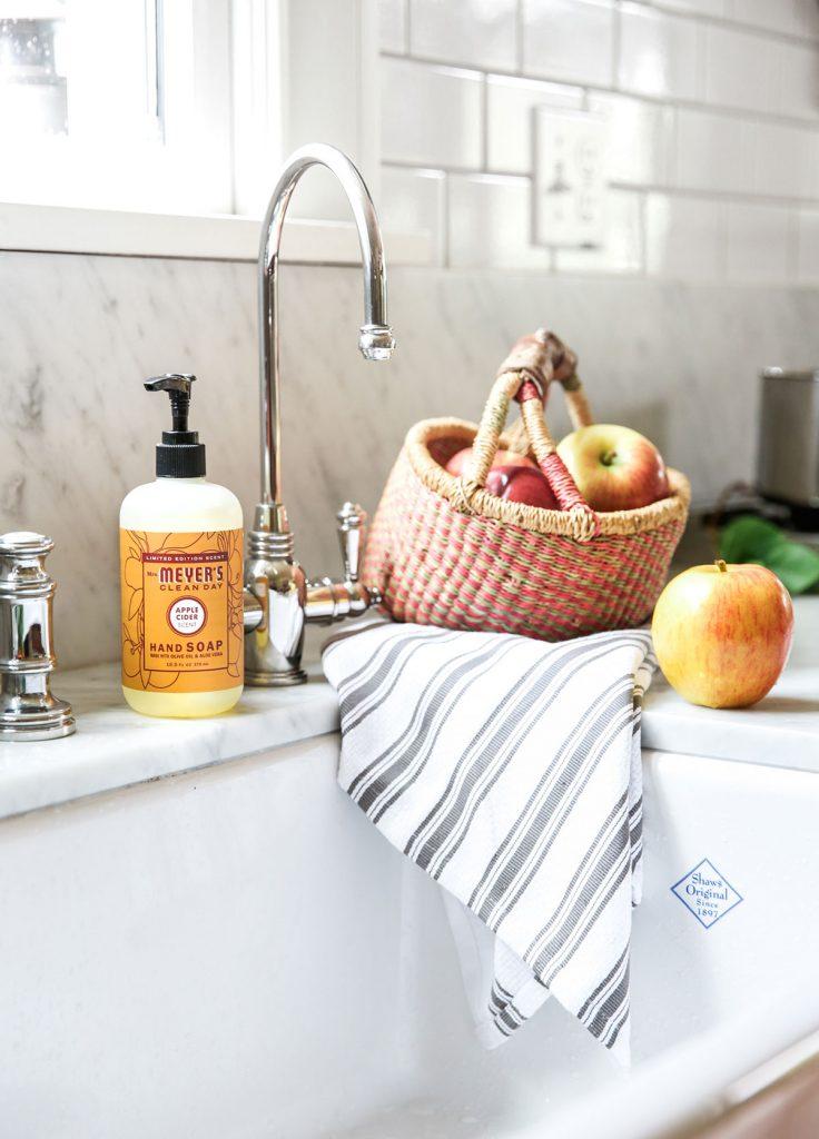 Mrs.-Meyers-Fall-Seasonal-Kit-Hand-Soap-Apple-Cider
