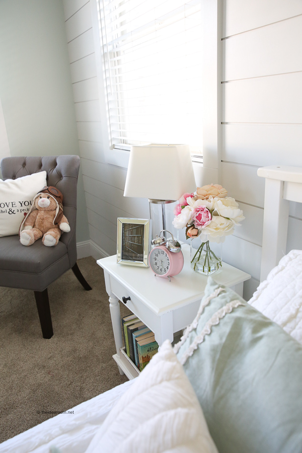 DIY-Girls-Room-Renovation-Sherwin-Williams