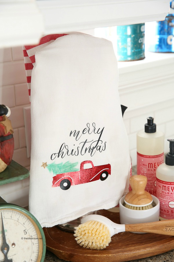 neighbor-gift-kitchen-hand-towel-cricut-handmade-diy