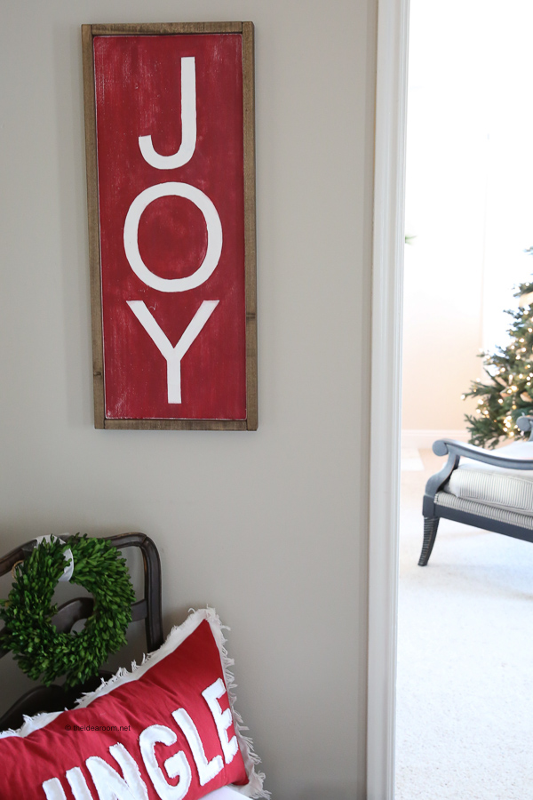 how-to-make-a-wood-sign-DIY-Farmhouse-Christmas-Wood-Sign-Tutorial