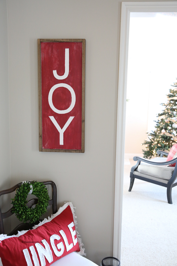 christmas-sign-JOY-DIY-Farmhouse-Christmas-Wood-Sign-Tutorial