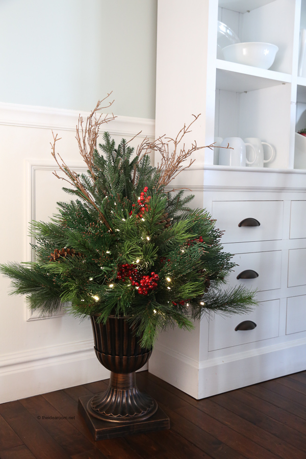 Holiday-Housewalk-Tour-Balsam-Hill-Christmas Decorations