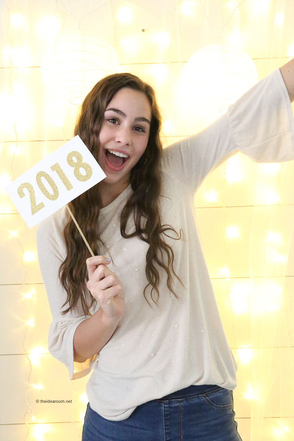 New-Years-Eve-Party-Backdrop-Photo-Booth-Props-2018