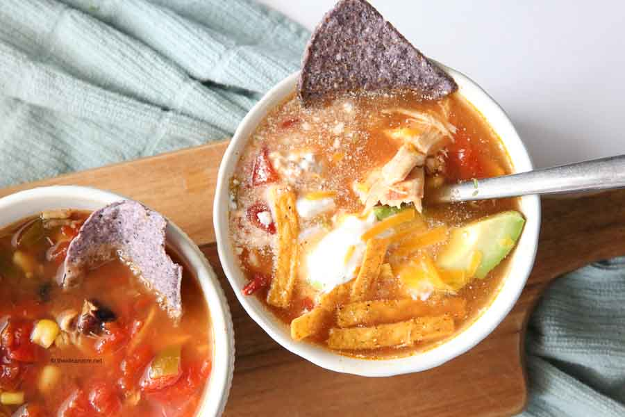 Instant-Pot-Chicken -Tortilla-Soup-Recipe-Quick-Easy-Dinners