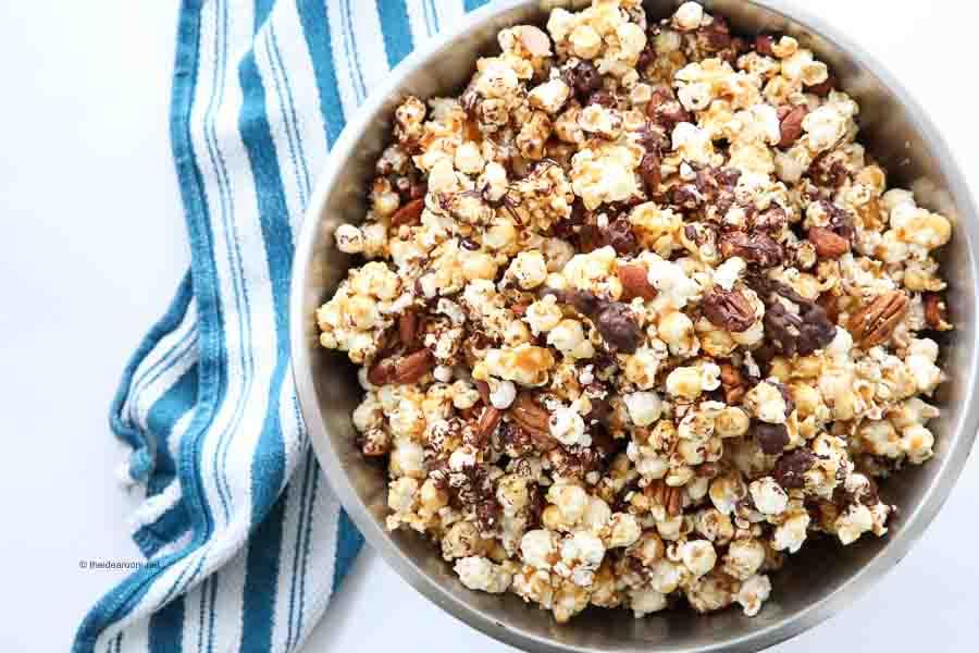 Giant-Bowl-Easy-Moose-Munch-Caramel-Chocolate-Pecan-Popcorn-Snack-Treat-Recipe